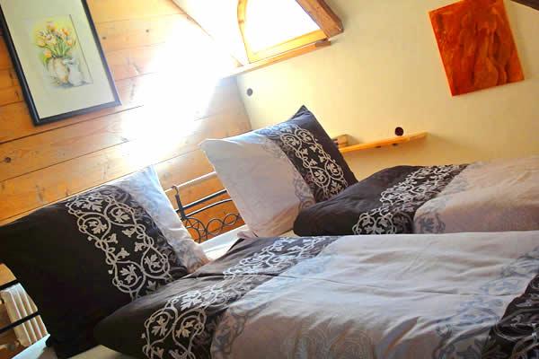 Romantico hotel schl ssl am see albergo camere suite ristorante cafe lago di resia zona - Camera matrimoniale romantica ...